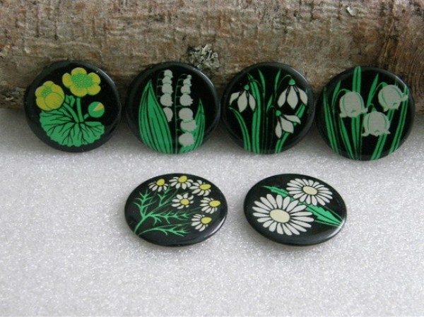 70's russian forest flowers button, design squish blog