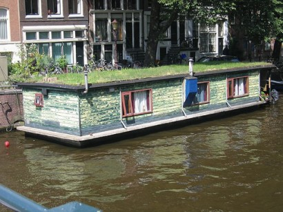 Home Design Blogs on Design Squish Blog  Grass House Boats In Amsterdam   Lifestyle
