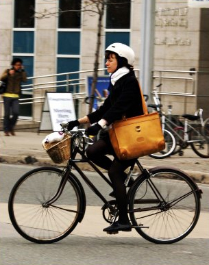 bike helmet chic, beautiful, stylish helmets, design squish blog