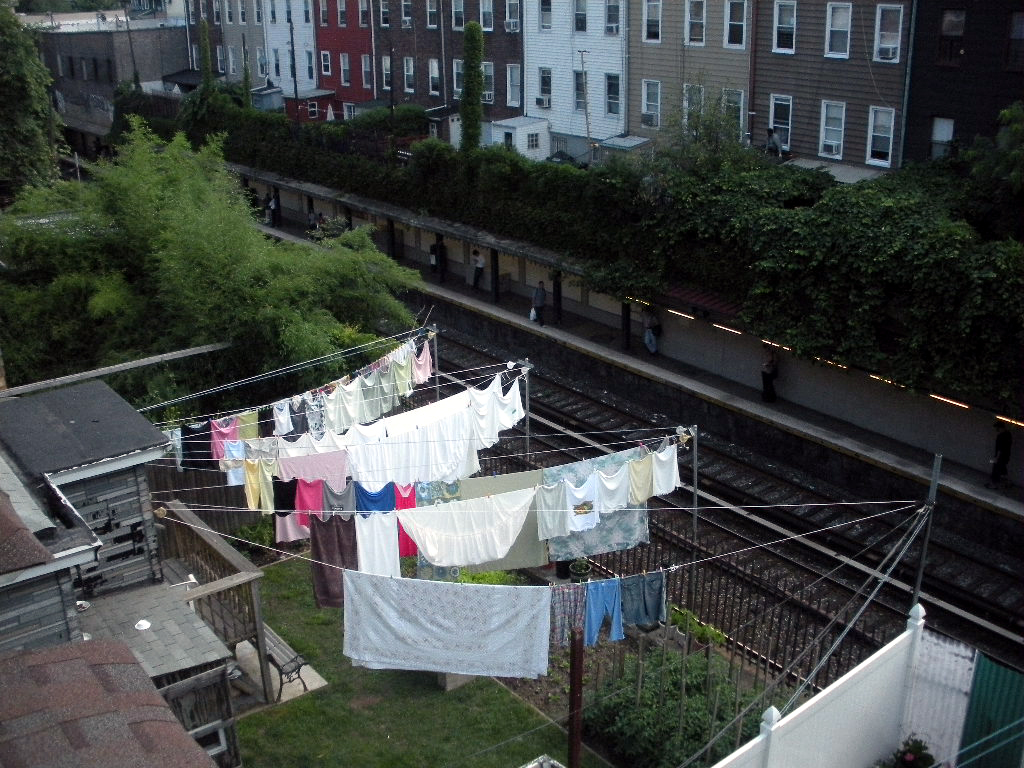Design squish blog colorful laundry arrangement brooklyn design squish blog solutioingenieria