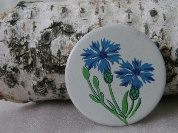 russian 1970' cornflower button, design squish blog