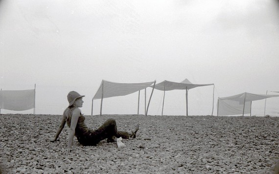 diy beach tents, handmade beach umbrellas, Russia 1970's, design squish blog