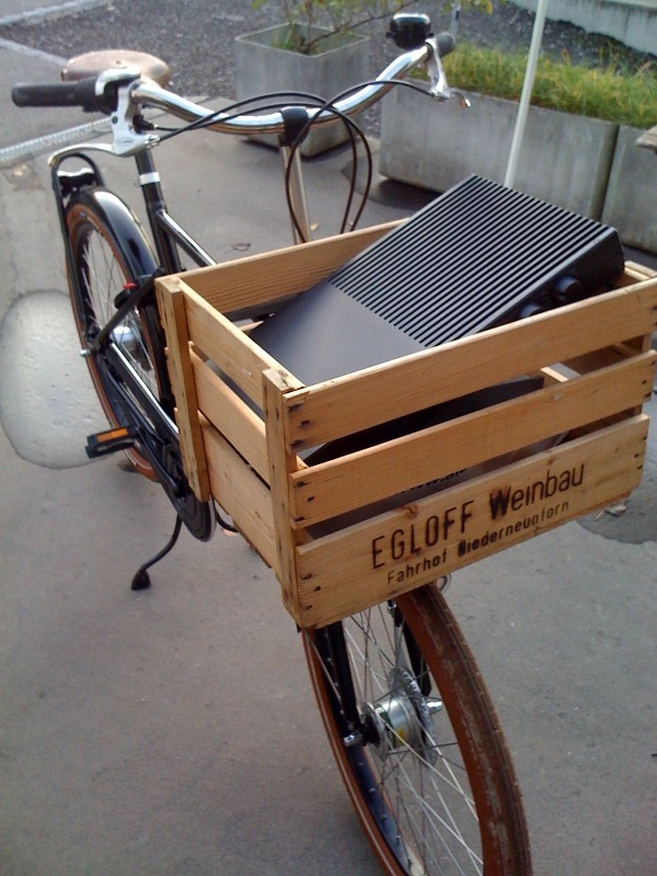 reusing shipping crates as basket for bike