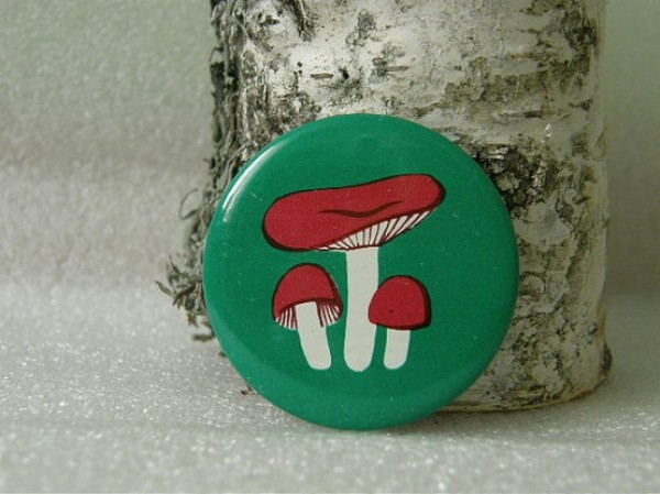 russula mushroom button, 1970's, russian,  design squish blog