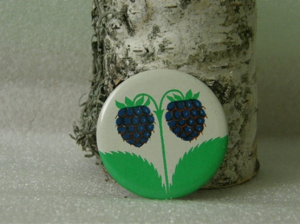 blackberry button, russian 1970's buttons, design squish blog